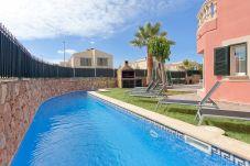 Chalet in Puigderrós  - Villa Falzia - mit privatem Pool