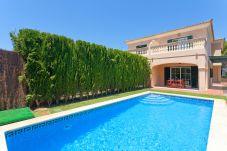 Villa in Puigderrós  - Villa Maioris - mit privatem Pool