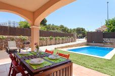 Villa in Puigderrós  - Villa Maioris
