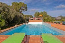 Villa in LLucmajor - Francisca Ortega de la Fuente - mit privatem Pool
